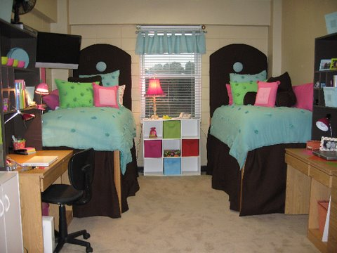 Dorm Room and Dorm Rooms Decorating Ideas : Dorm Room Ideas For Small Rooms For Kids