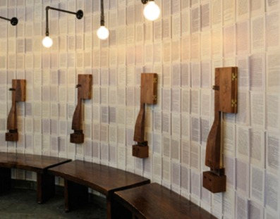 They Used The Pages Of Old Books To Wall Paper Jetson Interior 004